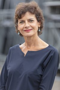 Nanette Mostert